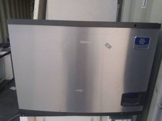 Manitowoc Model IY0694N 261 Single Phase Ice Machine Head with Remote Condenser Model JC0895
