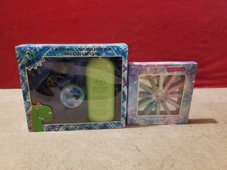 2 GIFT SETS ONE BATH AND ONE HAIR CHAlK SET