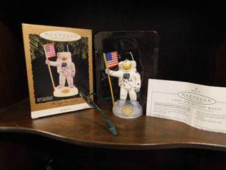 Hallmark Ornament   Neil Armstrong