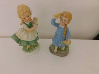 Figurines   little Girls  2 ea