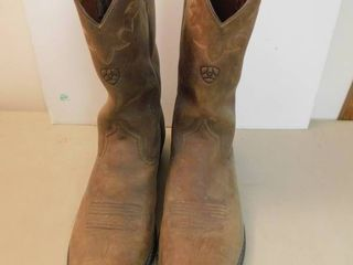 Pair of Men s 13D leather Boots