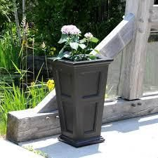 Urn Fairfield Tall Planter Black   Mayne