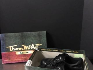 Thom McAn leather 7 1 2 Wide Width Shoes