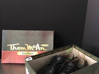 Thom McAn Black leather Menas Shoes Size 8 Wide