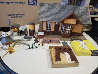 POlA lGB Made in Germany Depot with Miniture Train Station Pieces