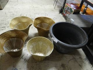 lot of 5 Flower Pots