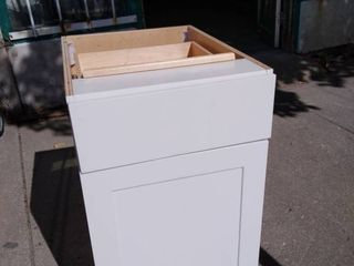 White Cabinet 18w x 25l x 35H