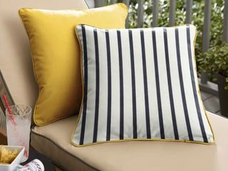 Sunbrella Indoor Outdoor Two Sided Square Pillows  Set of 2  Corded  Retail 75 48