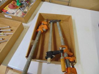 3 Pipe Clamps