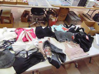 Sports Bra s Various Sizees   Store Returns