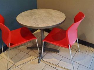 30in Table With 2 Chairs