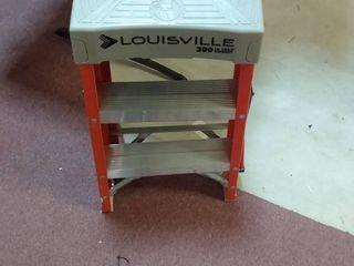 louisville ladder FS1502 300 Pound Duty Rating Fiberglass ladder  2 Feet