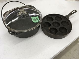 cast iron pot/skillet