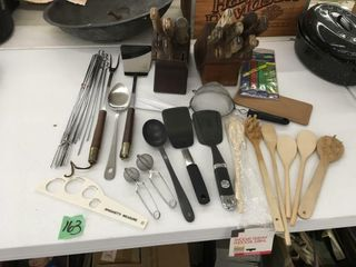 lg lot kitchen utensils, wood knife block w/knives