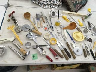 lg lot kitchen utensils