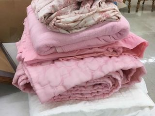 mattress pad, pink blankets/sheets