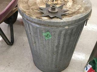 lg metal trash can w/lid