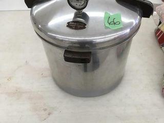 presto pressure cooker w/rack