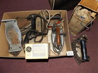Old Electric Irons  7    1 Box