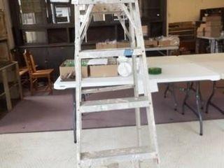 Aluminum ladder  6