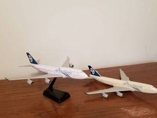 Air New Zealand models Boeing 747 400
