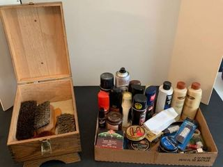 Shoeshine kit with shoe cream and conditioners