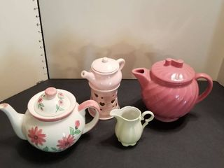 Teapots assorted