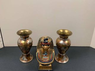 Two vases and a Tut statue