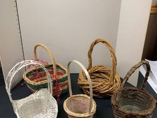 Set a five baskets with handles