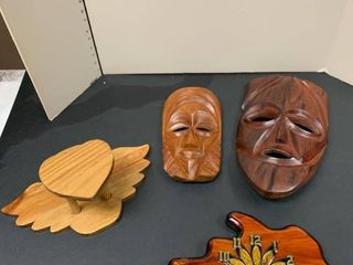 Assorted wood carved items