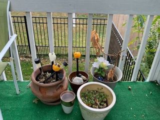 Five assorted pots