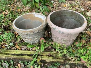 Set of two outdoor pots