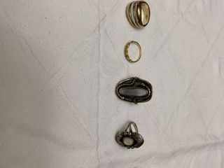 Assorted jewelry six rings