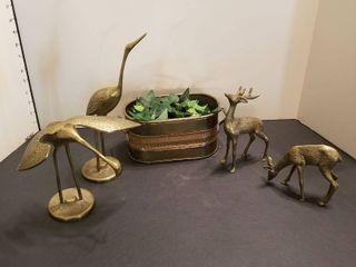 Assorted brass items