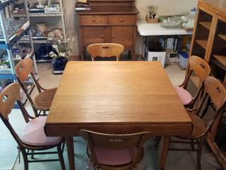 Vintage table and 6 chairs 29 x 44 x 41