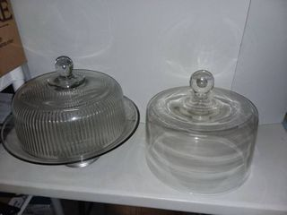 10 in Glass Cake Stand with lid and Spare lid