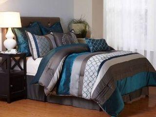 Strafford Park home collection bed skirt  comforter