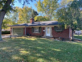 Brick Ranch with Newer Kitchen & Appliances, Open Family Room & Fireplace at Online Estate Auction