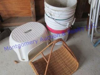 BUCKET   STEP STOOl