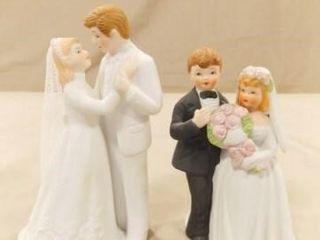 Bride   Groom Figurines  2  one is lefton