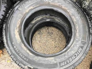 Used Set Of 2 Tires LT275/70R18
