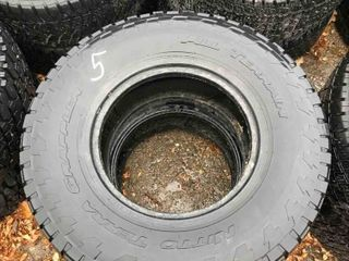 Used Set Of 2 Tires LT285/75R16