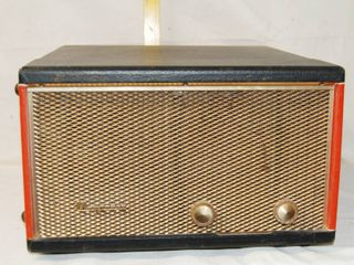 Vintage Portable Record Player   Magnavox    See Photos