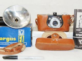 Vintage Argus Camera  w  Extra Accessories   wow
