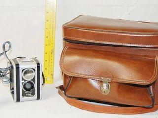 Vintage Camera  KODAK DUAFlEX w  Case and GE light Monitor