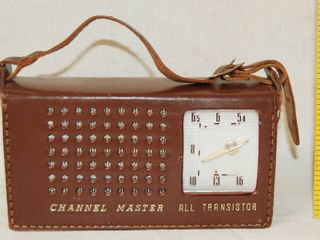 Vintage Channel Master All Transistor Radio In leather Case