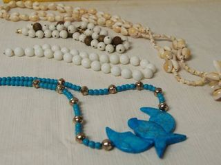 lot of 4 Necklaces   MUST SEE