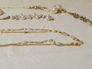 Assorted Vintage Jewelry