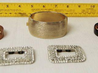 lot of Assorted Jewelry   copperIJ Bracelet