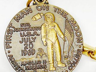 First Man On The Moon   Armstrong   Aldrin   Collins   U S A  July 20  1969   APOllO II Mission   KRAUSE   HUTCHINSON  KS Advertising Keychain